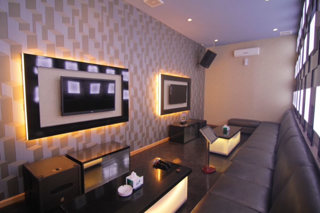 Rooms Anang Family Karaoke Malang